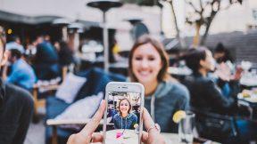 Auf Facebook, Instagram und Co. Essen geschickt in Szene setzen.