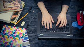 Blended Learning ist eine Mischung aus Präsenz- und Online-Training.
