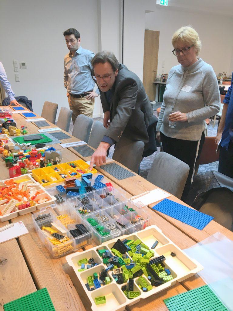 Die Methode LEGO® SERIOUS PLAY® wird moderiert von Holger Schneider