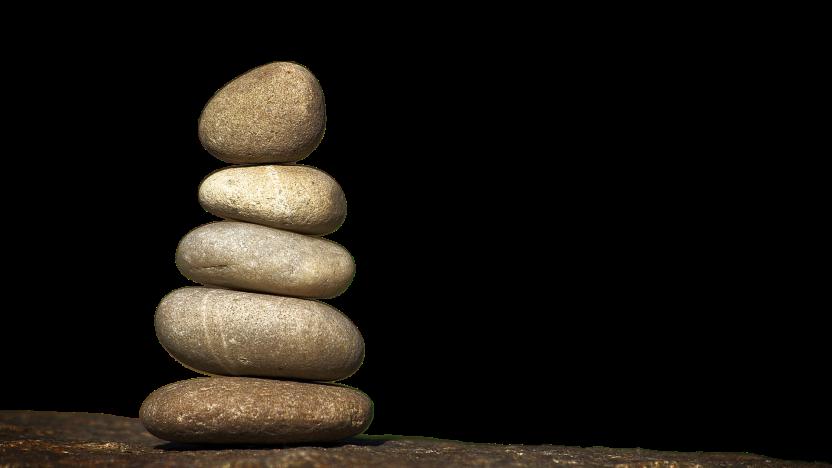 6 Steine liegen in Form einer Pyramide übereinander und soll eine Themenpyramide symbolisieren.
