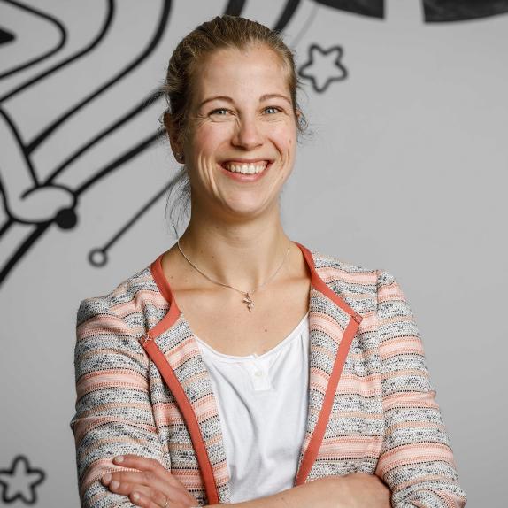 Bildliche Darstellung Kerstin Fiedler, Managerin für Digitale Innovation & Technologie bei der META Regalbau GmbH