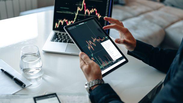 KI-Lösungen lassen sich mittlerweile als zusätzliches Serviceangebot integrieren und können so in den verschiedensten Bereichen im Mittelstand zum Einsatz kommen.
